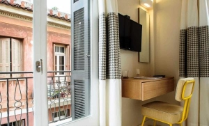 Superior Double Room, Athena hotel: Nafplion hotels rooms old city square